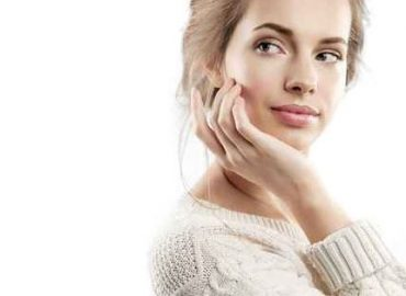 visit botox clinics in Glasgow to look younger